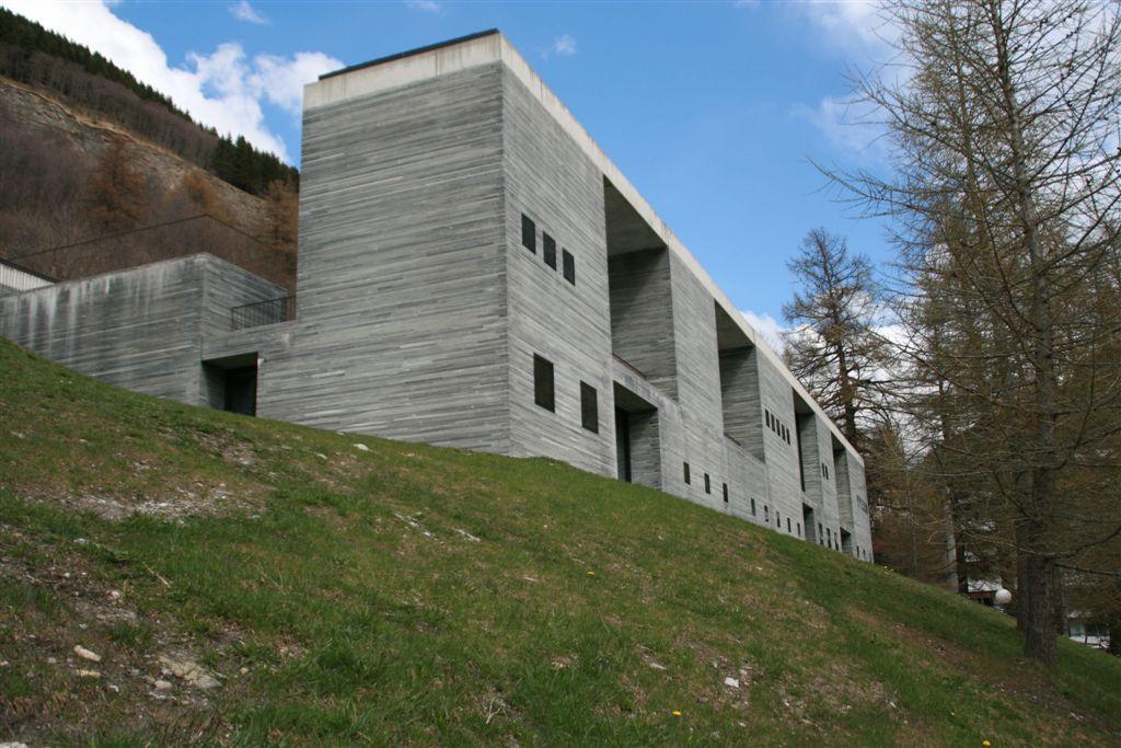 Il bogn termal da l'architect Peter Zumthor a Val S. Pieder.