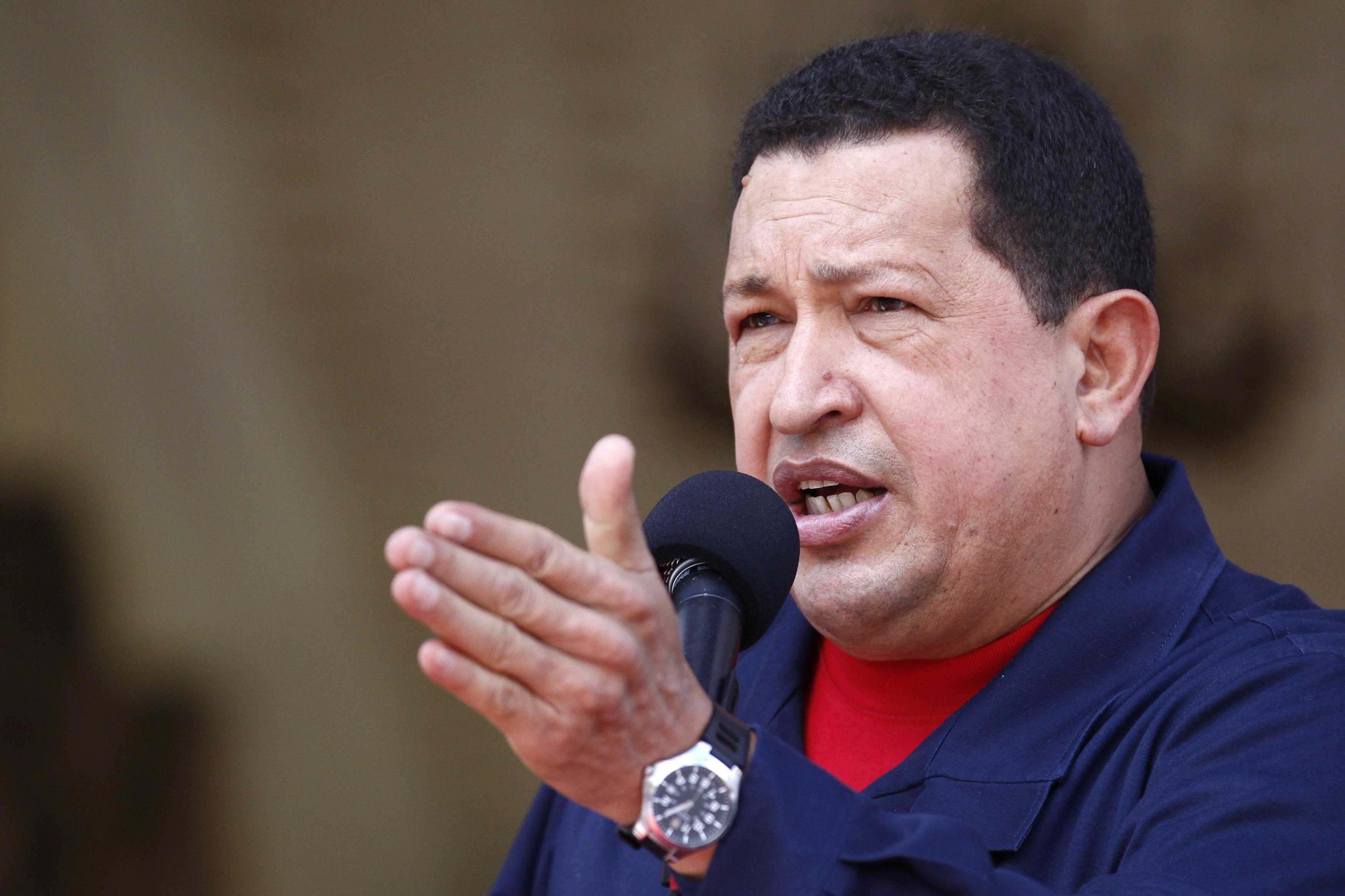 Tenor observaturs vegnia il president da Venezuela a sa retrair da la politica.