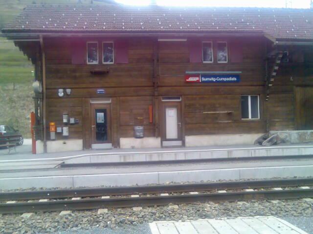 La staziun da tren da Sumvitg-Cumpadials.