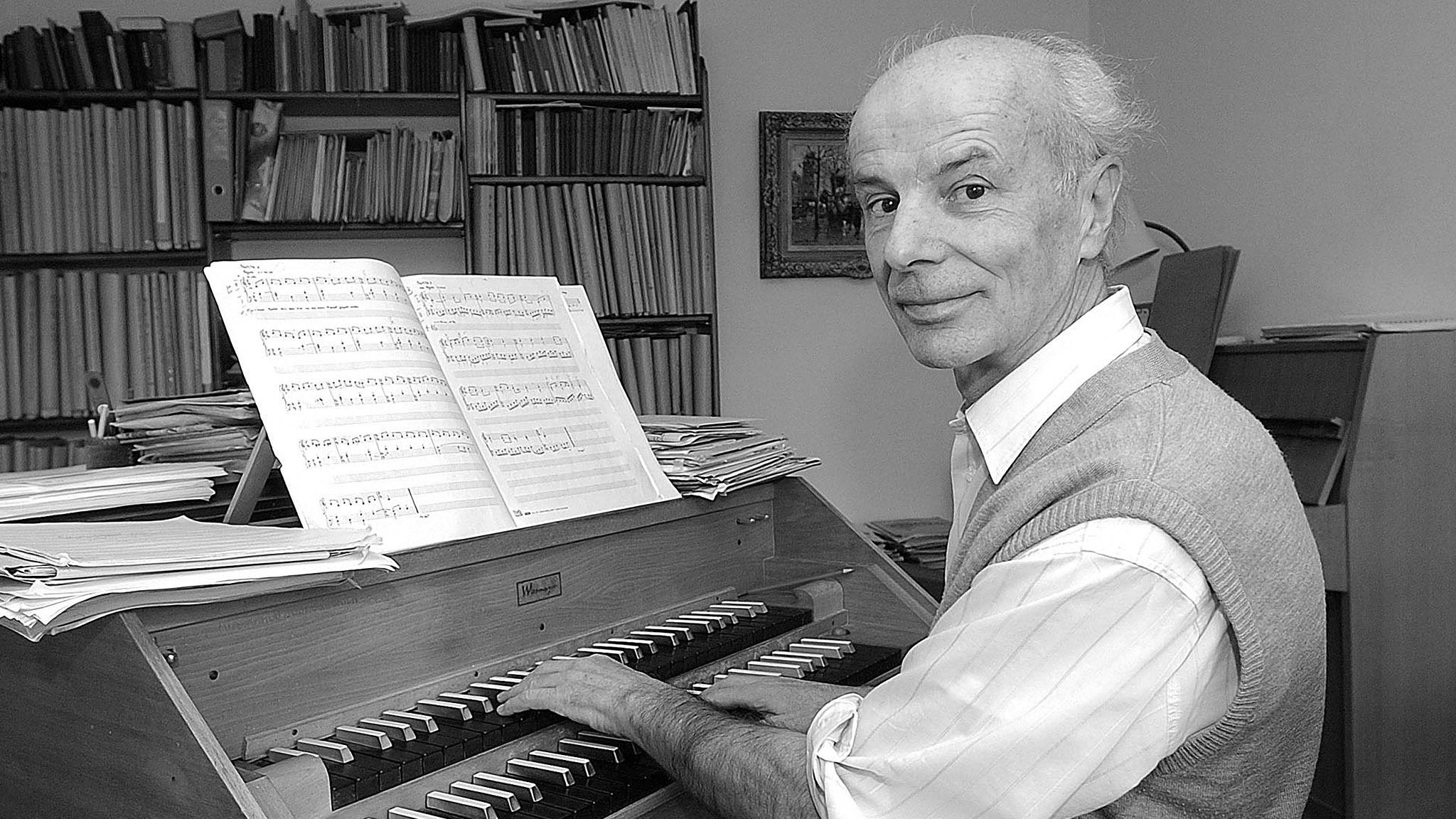 Il cumponist Gion Antoni Derungs.