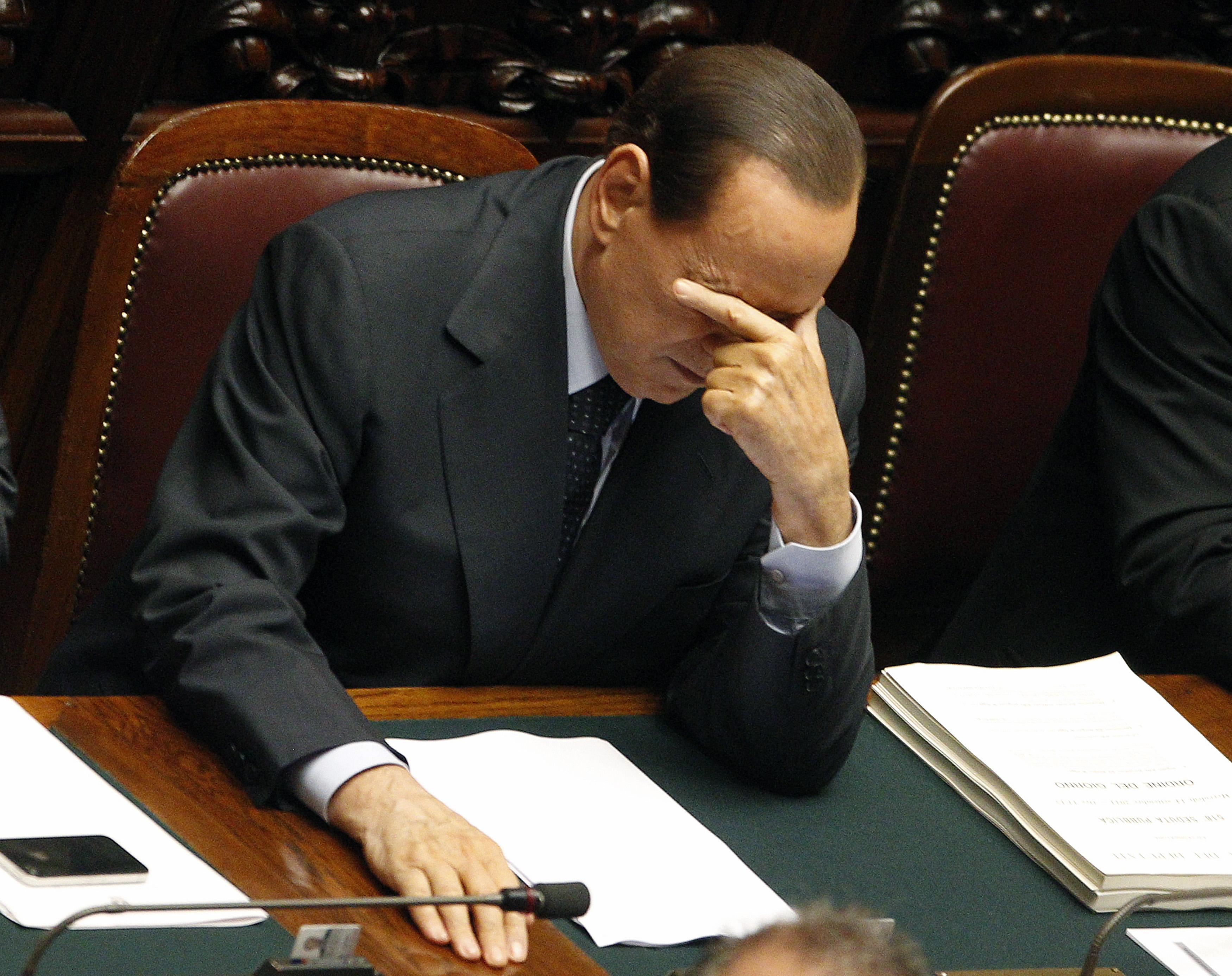 L'anteriur primminister da l'Italia, Silvio Berlusconi, è vegnì sentenzià ad in onn chastì d'arrest.
