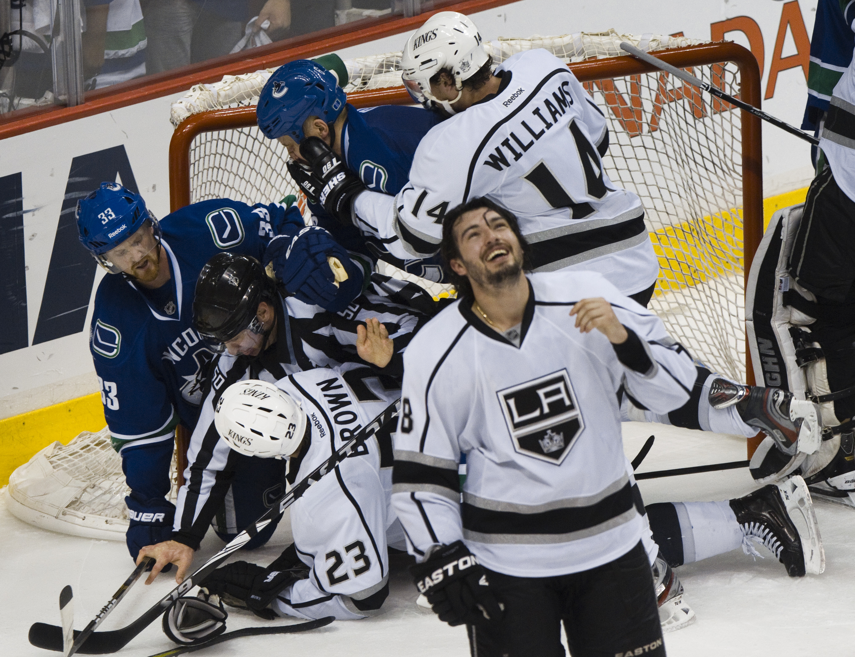 Ils Vancouver Canucks han spers cunter ils Los Angeles Kings cun 2:4.
