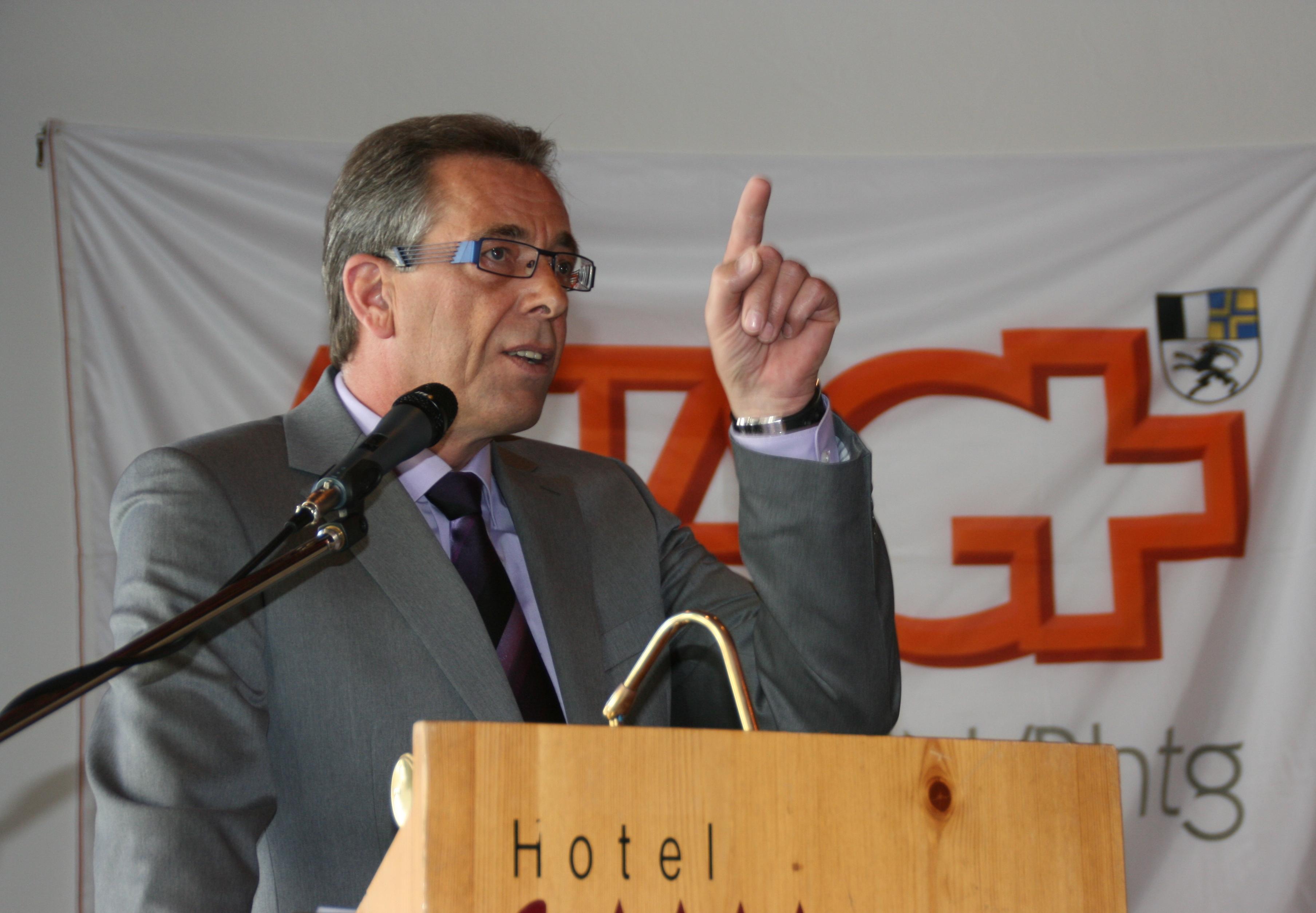 Il president da la secziun Grischuna da la ASTAG ha introduì ina chassa per promover il mastergn da chauffeur.