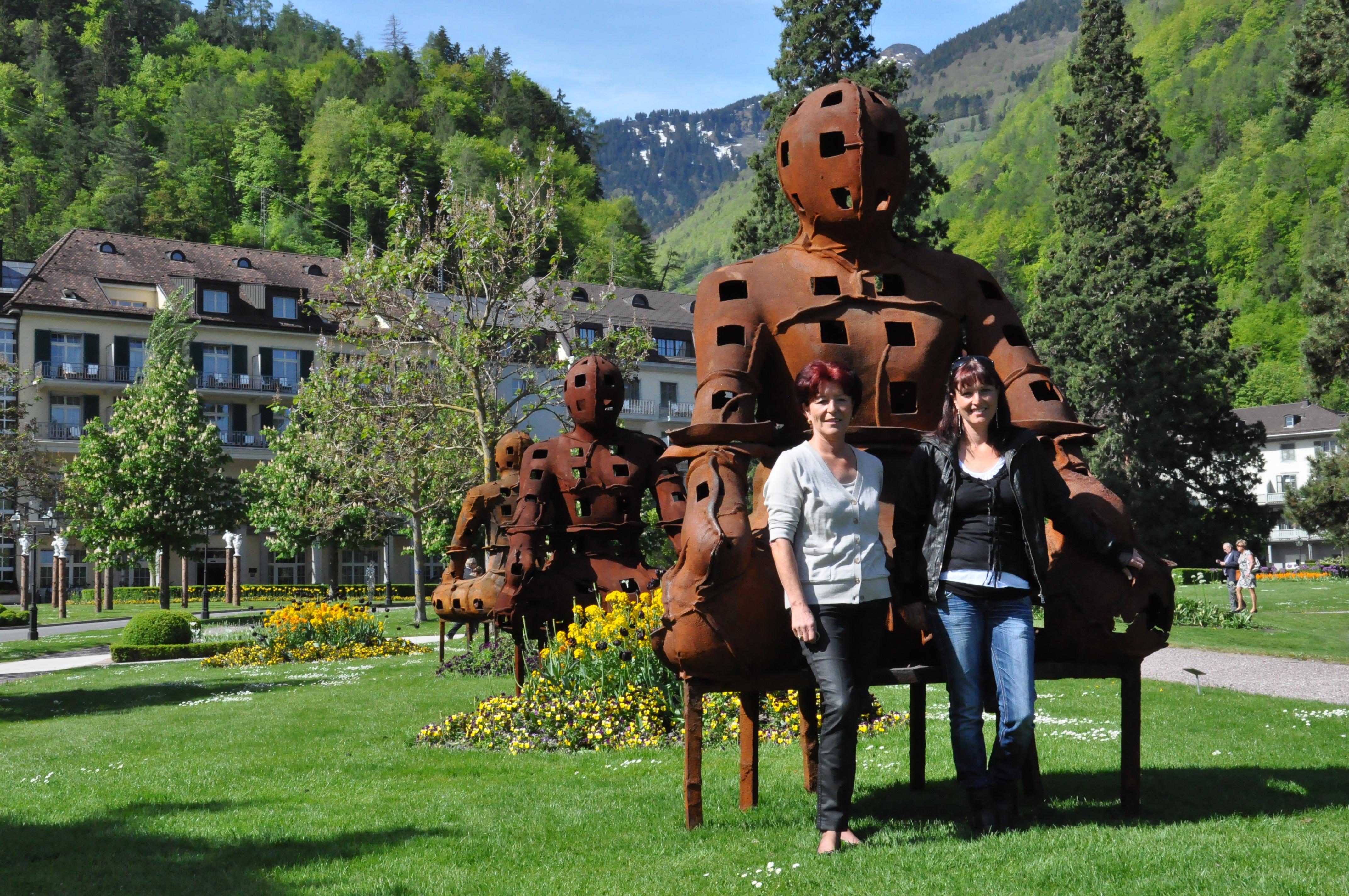 Esther Hohmeister e sia figlia Andrea Good-Hohmeister, organisaturas da l'exposiziun Bad RagARTz