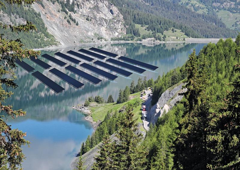 Moduls solars (Waterbanner) sin il Lai da Marmorera / (fotomontascha).