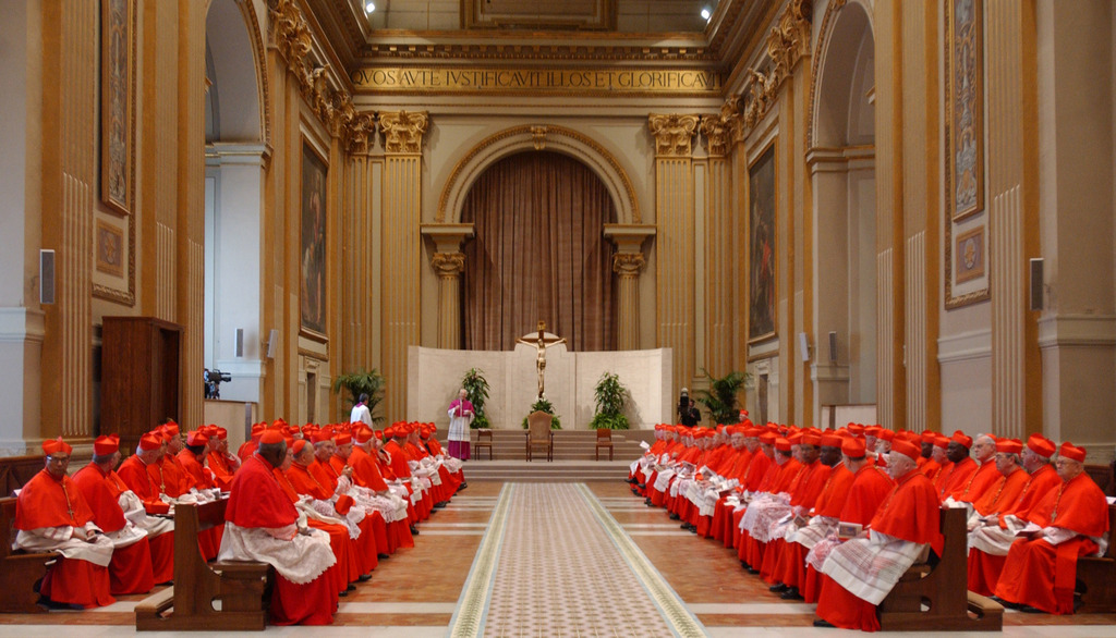 Gronda parita - pitschna congruenza. Ils cardinals n'han anc betg pudì fixar in datum per il conclave.