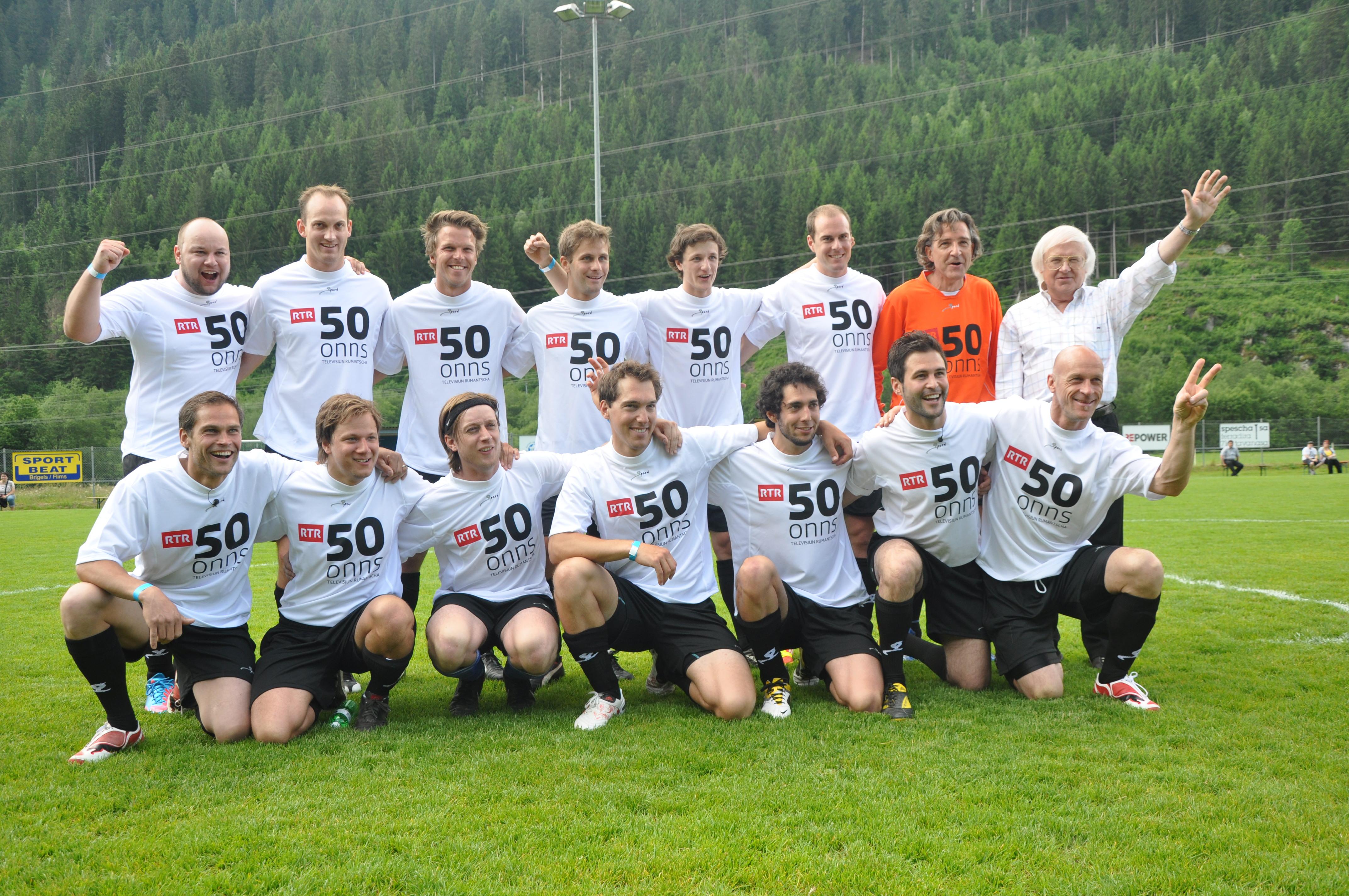 L'equipa da prominents grischuns, trenada da Gilbert Gress.