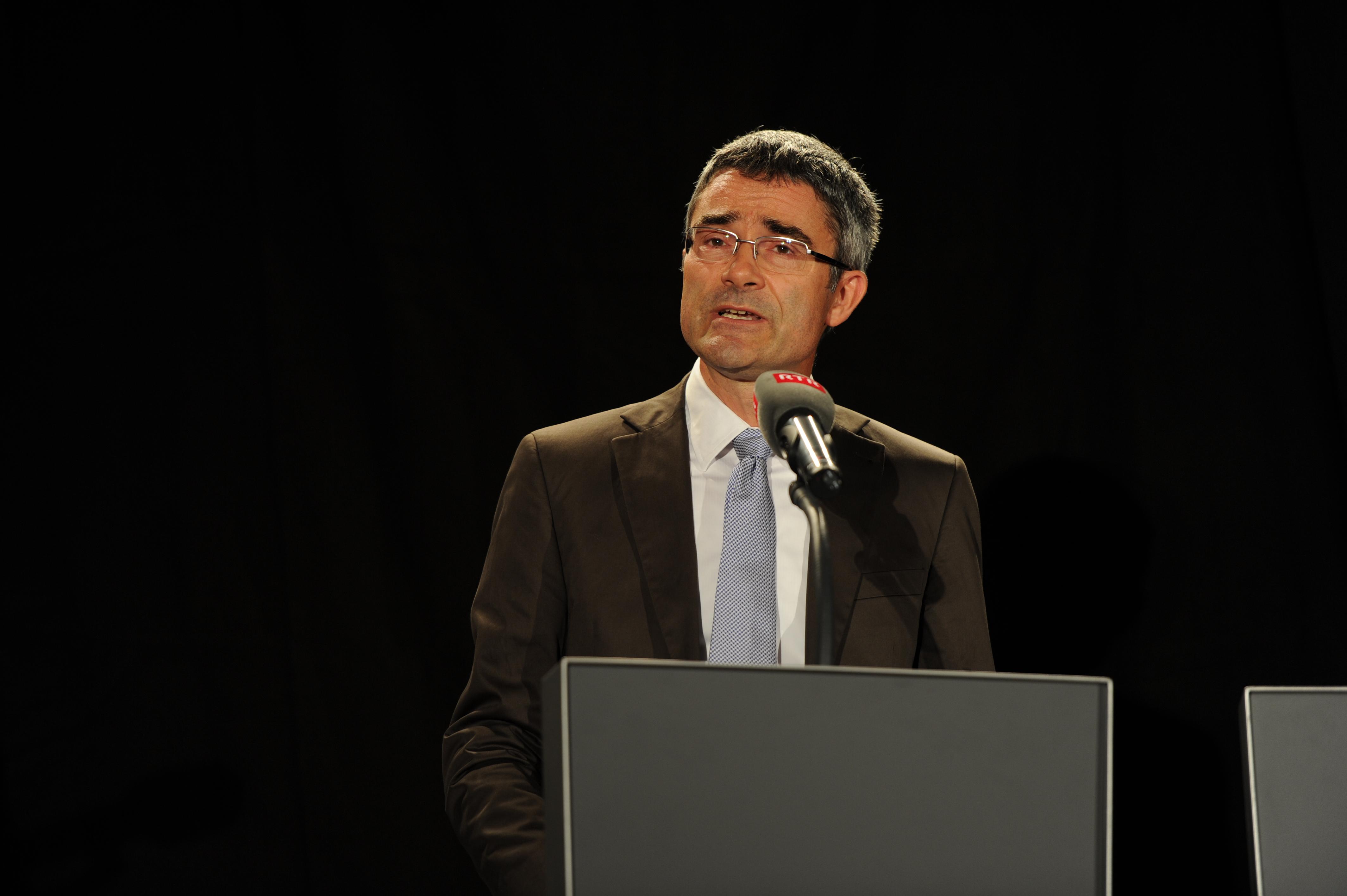 Il vicepresident da la Regenza grischuna Mario Cavigelli ha gratulà en num dal chantun Grischun. Tenor el ha la Televisiun Rumantscha contribuì fermamain a la diversitad ed identitad grischuna.