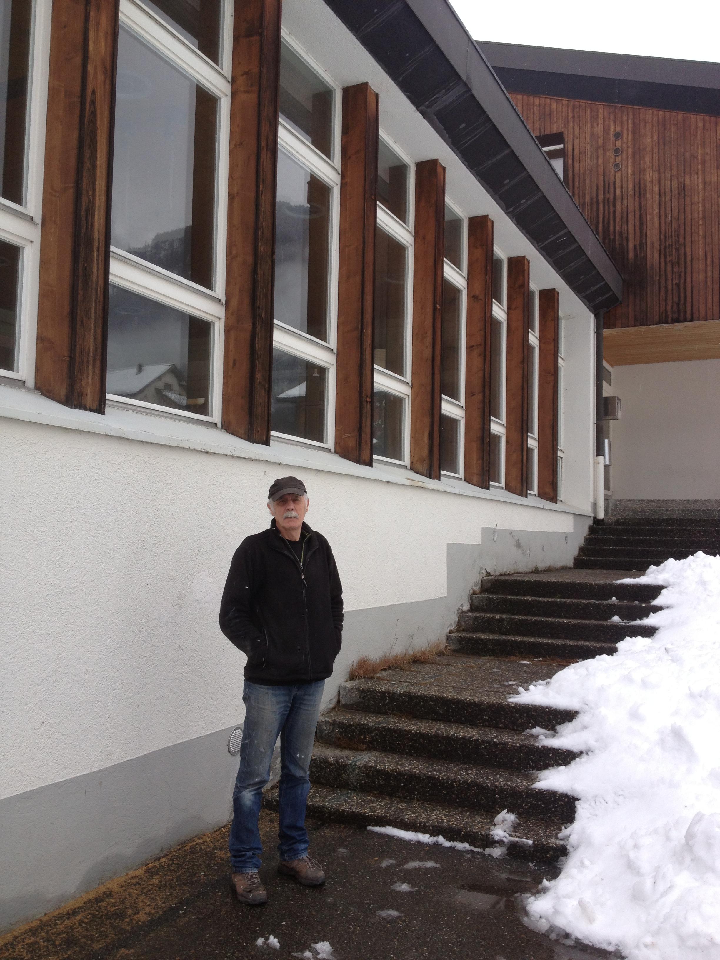Fis Guldimann che ha cumprà la scola da Zignau.