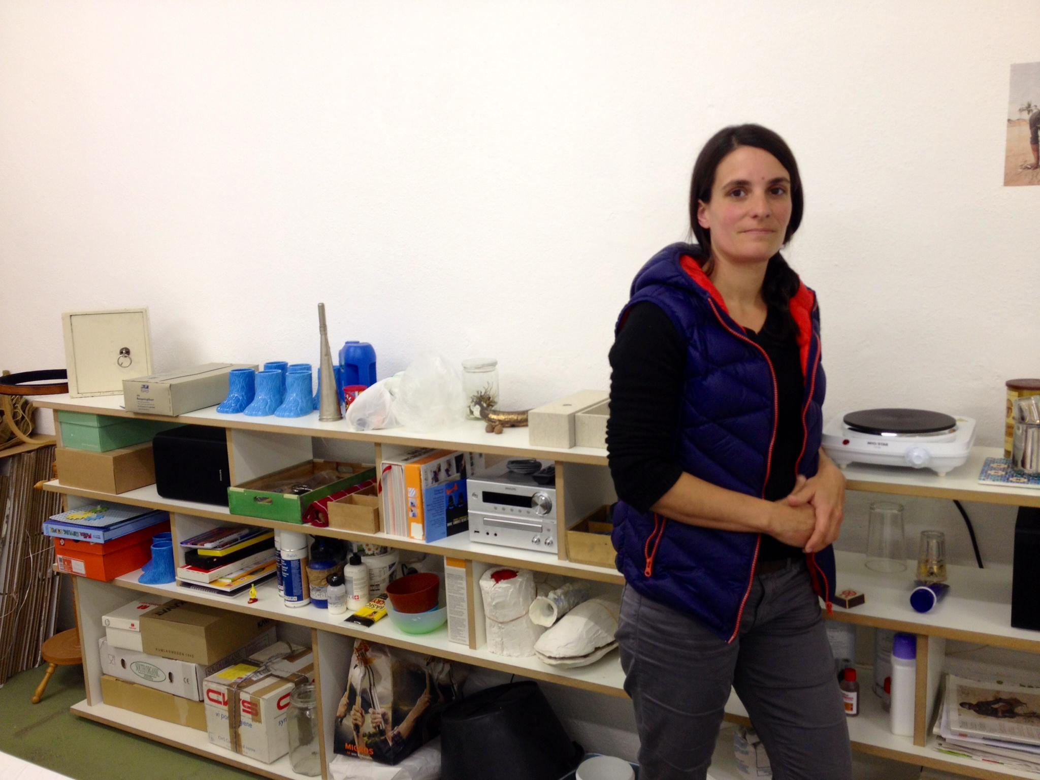 L'artista Notta Caflisch en ses atelier.