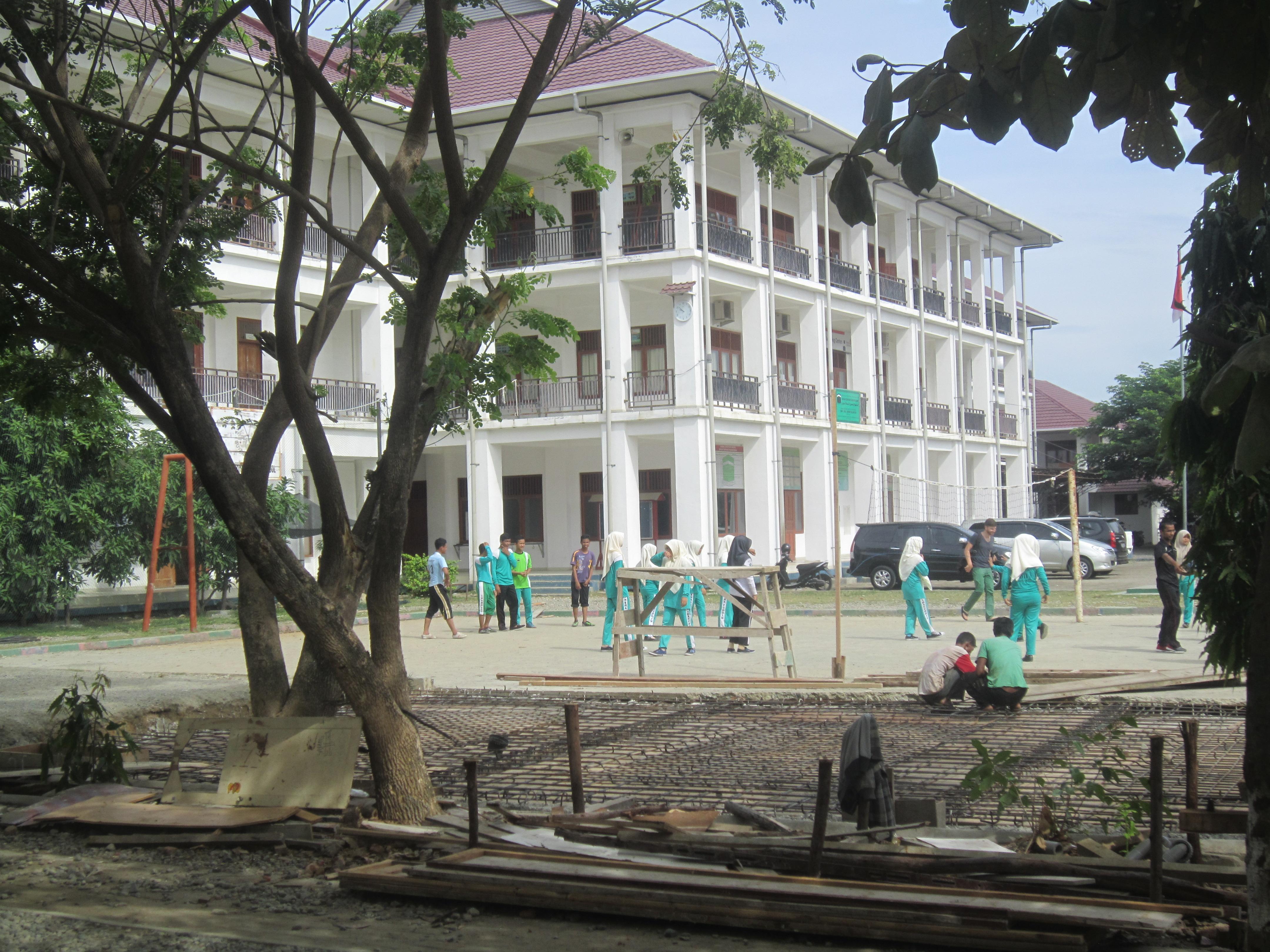 Ina scola a Banda Aceh, reconstruì cun agid da la Svizra.