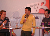 Roger Alig en discurs cun sportists da la Surselva