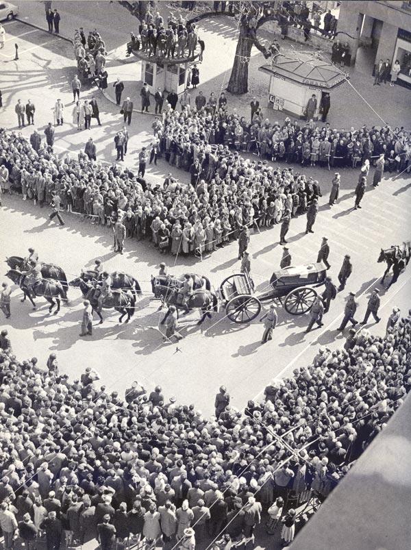 Sepultura da Henri Guisan 12-04-1960 a Pully